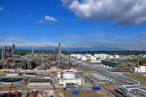 Hoạt động khai thác dầu khí, khu lọc dầu Dung Quất